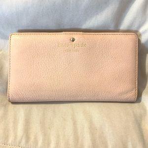 Kate spade billfold wallet